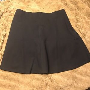 Nwot flirty, stretchy black Loft skirt